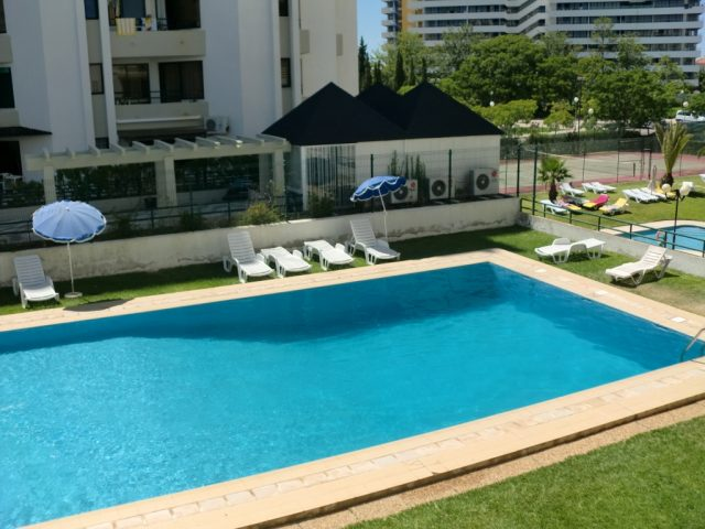 https://media.costalessgolf.com/2015/04/Algamar-Pool-640x480.jpg