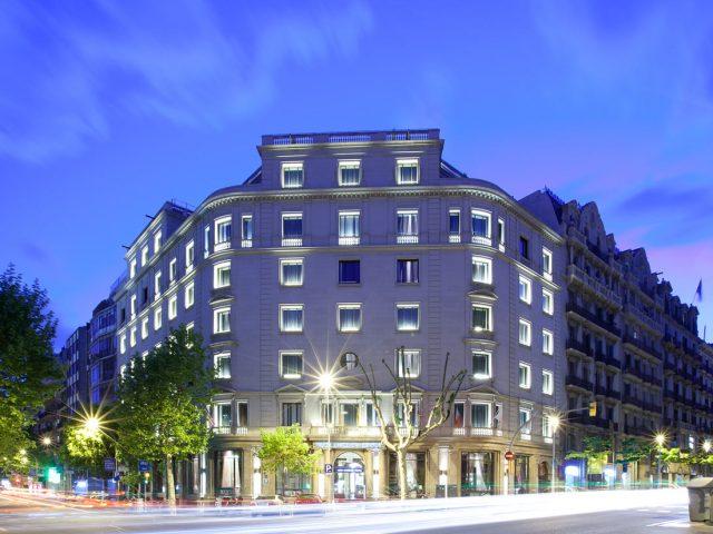 https://media.costalessgolf.com/2015/04/barcelona-center-ext-640x480.jpg