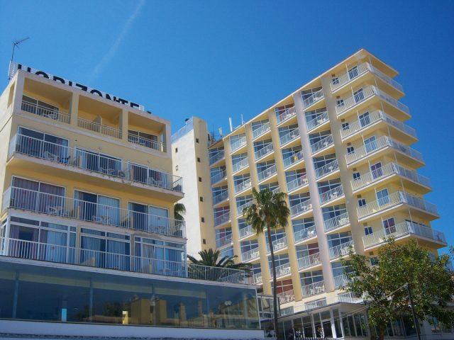 https://media.costalessgolf.com/2015/04/horizonte-hotel-outside-640x480.jpg