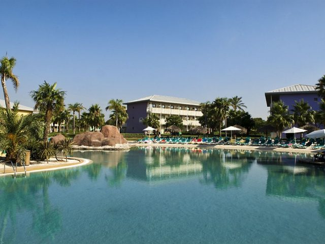 https://media.costalessgolf.com/2015/04/hotel-caribe-outside-640x480.jpg