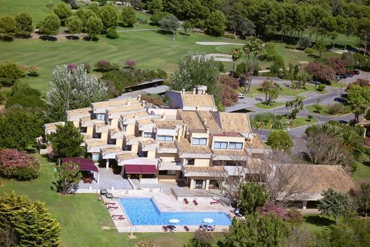 https://media.costalessgolf.com/2015/04/hotel-golf-santa-ponsa-1.jpg