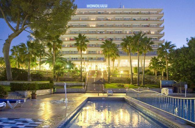 https://media.costalessgolf.com/2015/04/hotel-honolula-exterior-640x420.jpg