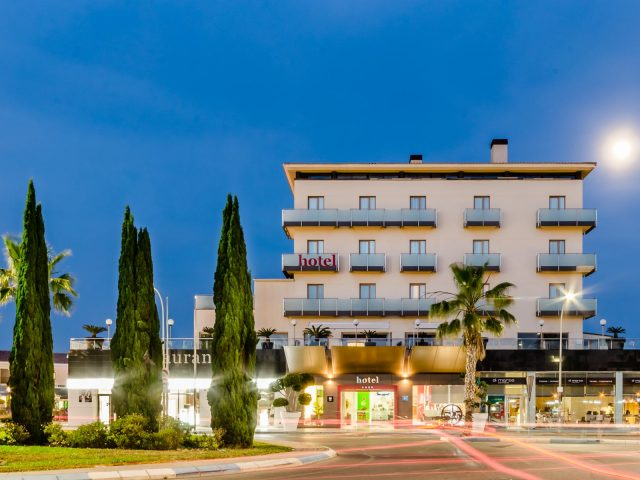 https://media.costalessgolf.com/2015/05/46_Hotel525-Exterior-640x480.jpg