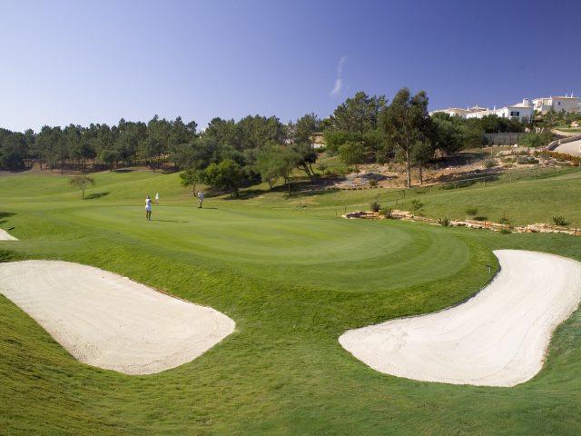 https://media.costalessgolf.com/2015/05/Golf-Santo-Antonio-12th-green2-640x480.jpg