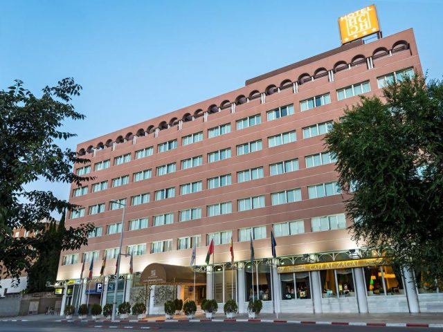 https://media.costalessgolf.com/2015/05/Hotel-Granada-Center-Entrance-640x480.jpg