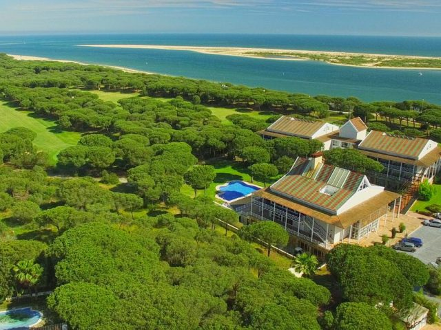 https://media.costalessgolf.com/2015/05/Hotel-Nuevo-Portil-640x480.jpg