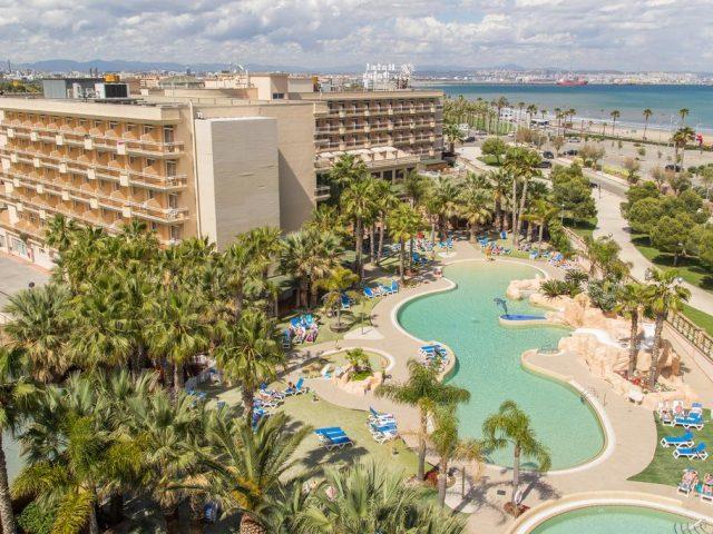 https://media.costalessgolf.com/2015/05/Hotel-Palas-Pineda-640x480.jpg