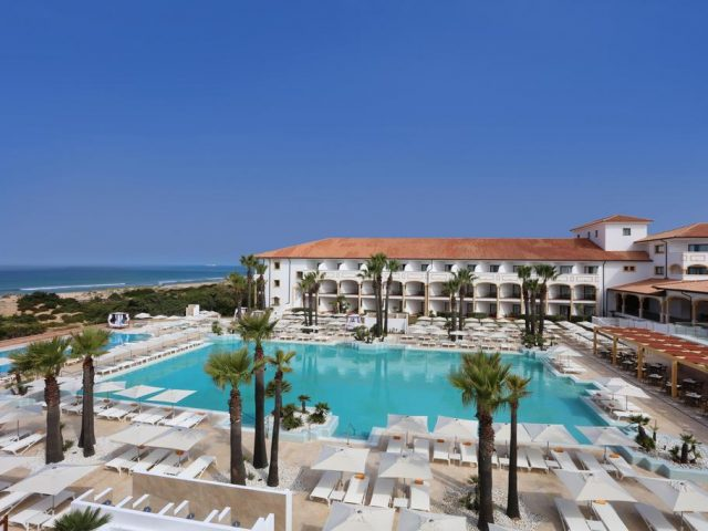 https://media.costalessgolf.com/2015/05/Iberostar-Andalucia-Playa-Pool-640x480.jpg