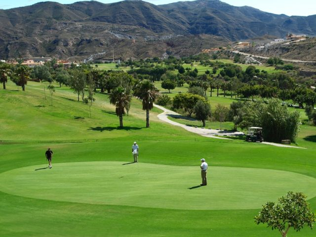 https://media.costalessgolf.com/2015/05/La-Envia-golf-2-640x480.jpg