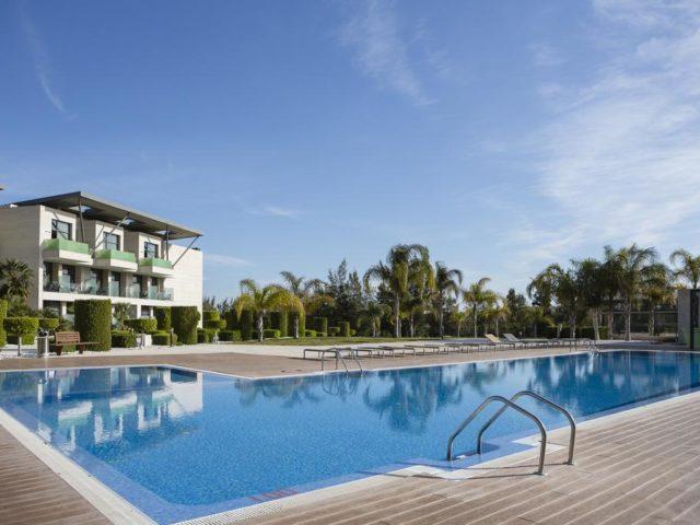 https://media.costalessgolf.com/2015/05/La-Finca-Golf-Resort-Pool-640x480.jpg