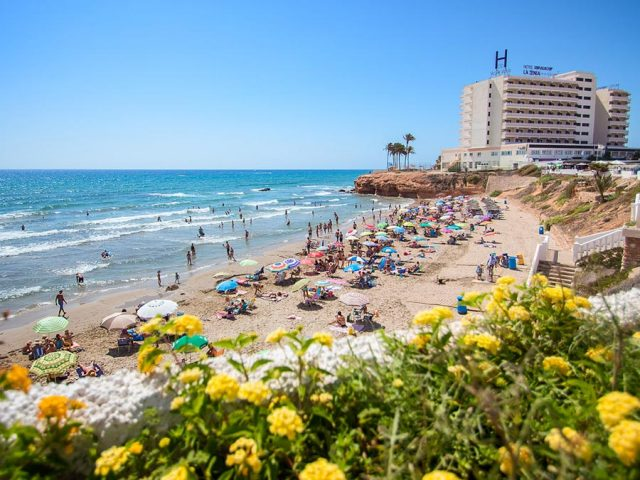 https://media.costalessgolf.com/2015/05/La-Zenia-Hotel-Beach-640x480.jpg