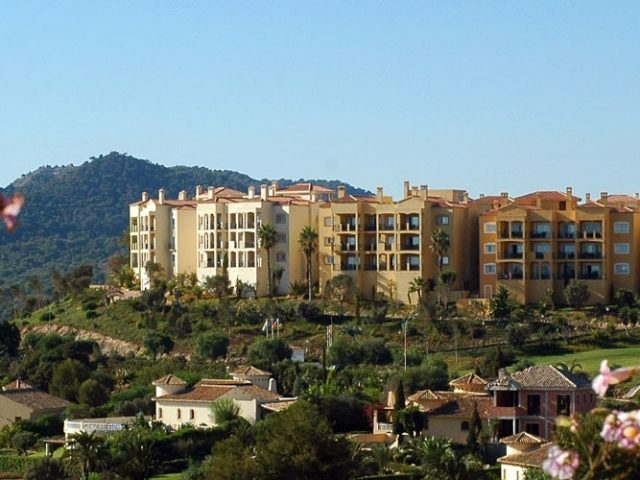 https://media.costalessgolf.com/2015/05/Las-Lomas-Apartments-640x480.jpg