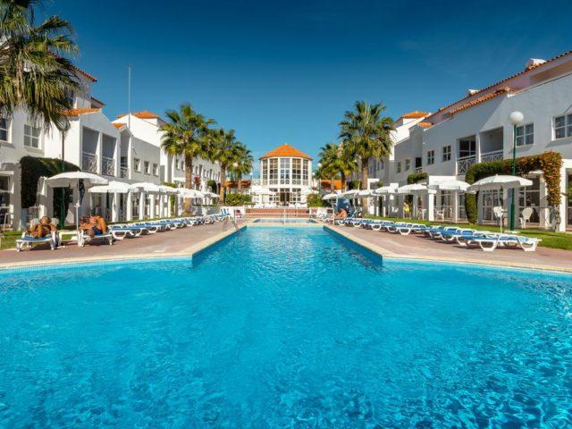 https://media.costalessgolf.com/2015/05/Ouratlantico-Pool-640x480.jpg