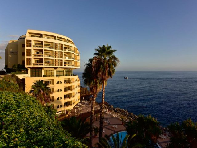 https://media.costalessgolf.com/2015/05/Pestana-Palms-Ocean-Hotel-640x480.jpg