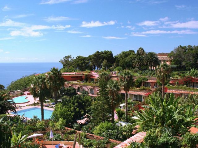 https://media.costalessgolf.com/2015/05/Quinta-Splendida-Hotel-640x480.jpg