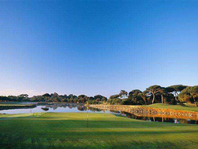 https://media.costalessgolf.com/2015/05/Quinta-da-Marinha-Golf-4-640x480.jpg