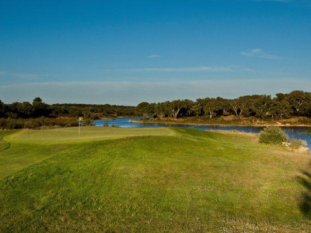 https://media.costalessgolf.com/2015/05/Santo-Estevao-Golf-2-640x480.jpg