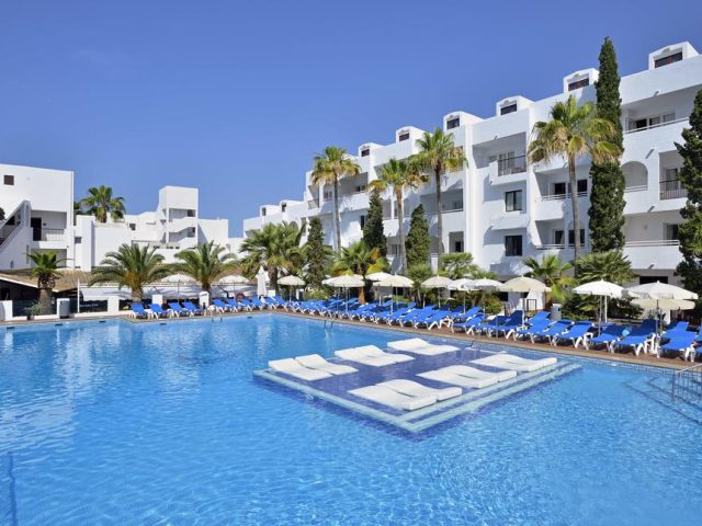 https://media.costalessgolf.com/2015/05/Sol-Cala-dor-Pool-640x480.jpg