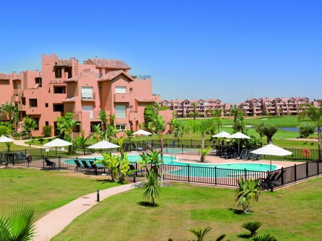 https://media.costalessgolf.com/2015/05/The-Residences-Mar-Menor-Pool-640x480.jpg