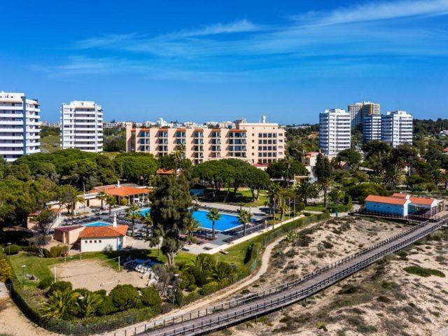 https://media.costalessgolf.com/2015/10/Dom-Joao-Website-Hotel-1-640x480.jpg
