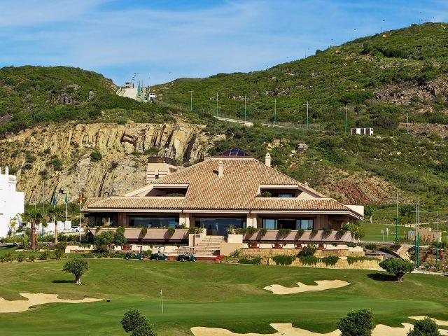 https://media.costalessgolf.com/2018/11/ona-valle-romano-golf-facilities-clubhouse-640x480.jpg