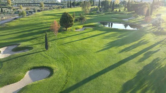 https://media.costalessgolf.com/2019/04/granada-club-de-golf.jpg