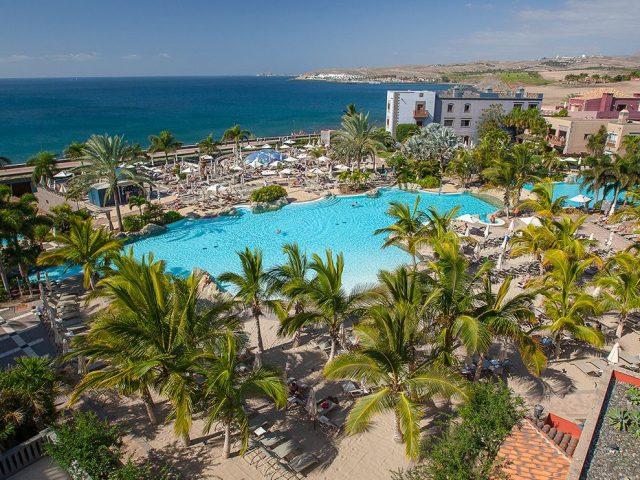 https://media.costalessgolf.com/2019/08/Hotel-Lopesan-Villa-del-Conde-Piscinas12-640x480.jpg