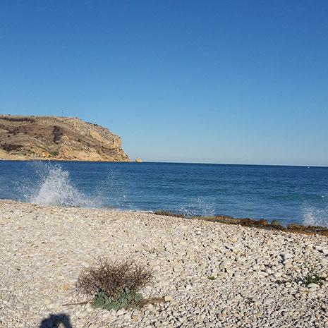 https://media.costalessgolf.com/2020/02/golf-holiday-beach.jpg