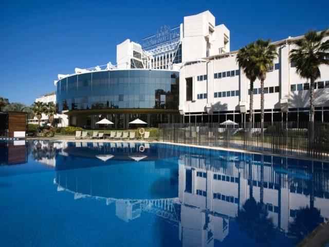 https://media.costalessgolf.com/2020/03/Silken-Al-Andalus-Hotel-640x480.jpg